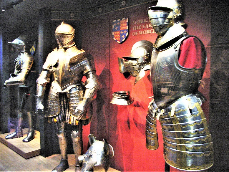 Tower_of_London_Exhibits_of_Armour